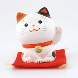 Japanese ceramic manekineko lucky cat - MIKE HIDARI -