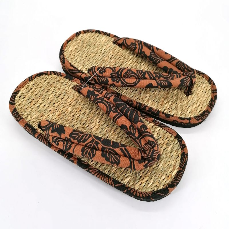 Pair of Japanese zori sandals in seagrass, KARAKUSA, brown