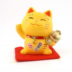 Japanese manekineko lucky cat, SHIAWASE TORA-S, right paw